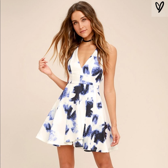 Lulu's Dresses & Skirts - Lulus Seeing Chic Skater Dress